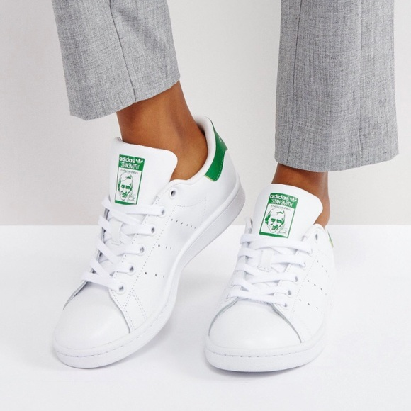 adidas Shoes - Adidas Stan Smiths